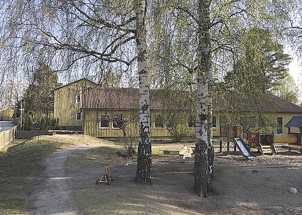 Halter av PCB i marken vid Stamvägens förskola