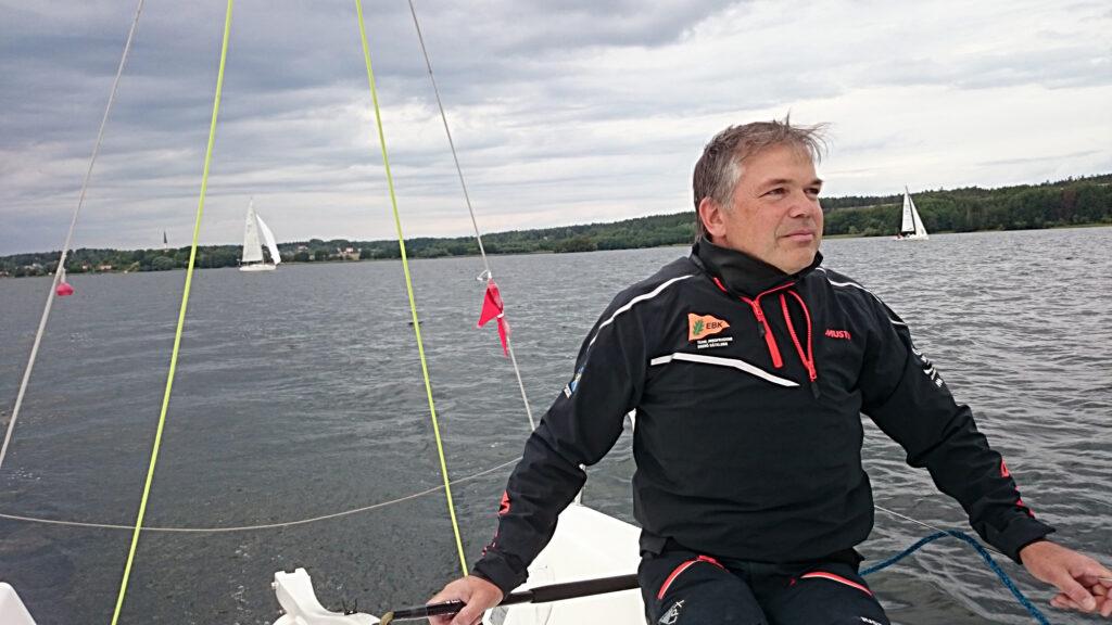 Janne driver på i båtklubben