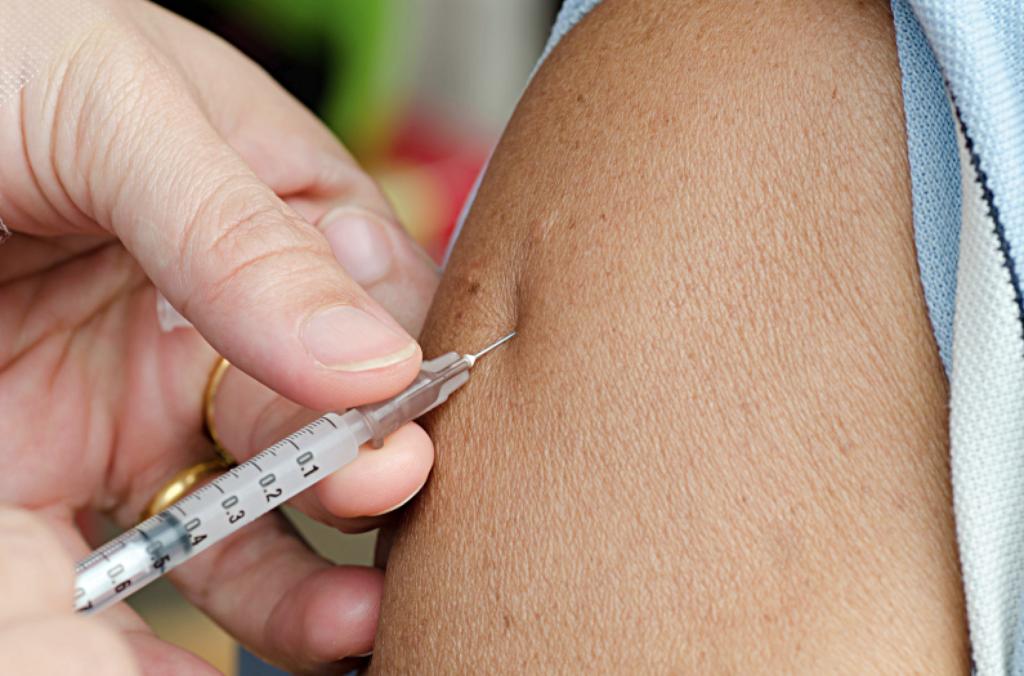 Redo att börja massvaccinera