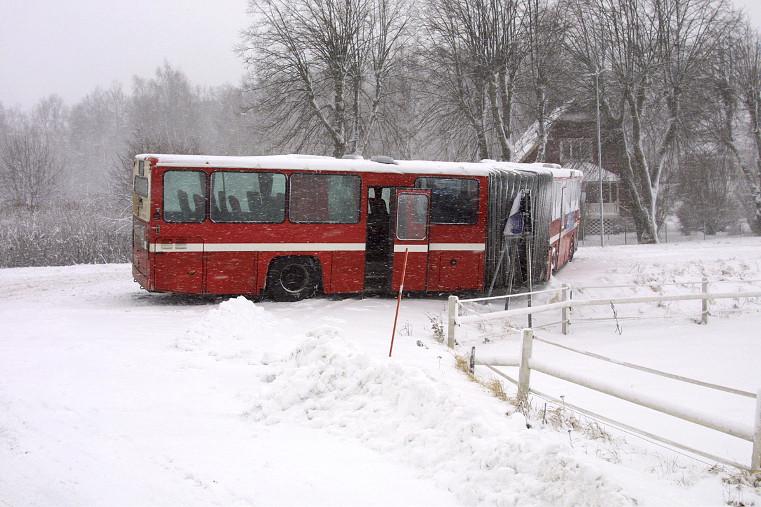 Bussproblem på Adelsö