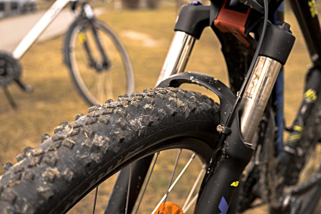 Hotfull situation vid Jungfrusund och cykelstölder i Tappström